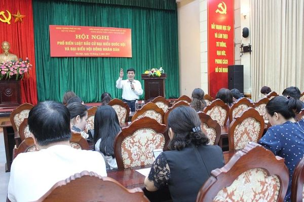 Hà Nội đẩy mạnh tuyên truyền pháp luật về bầu cử trong các cấp công đoàn
