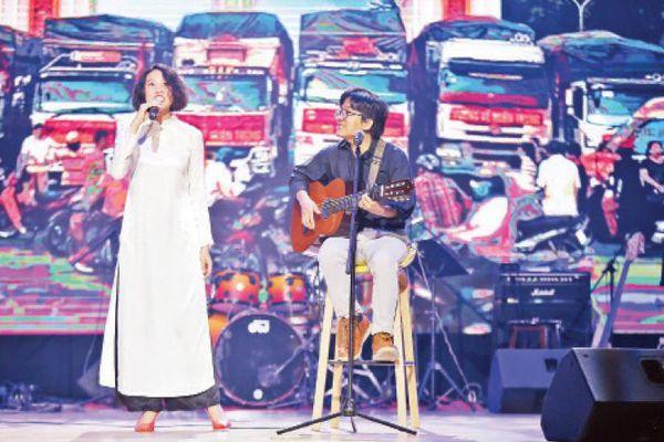 Người trẻ làm mới nhạc Trịnh