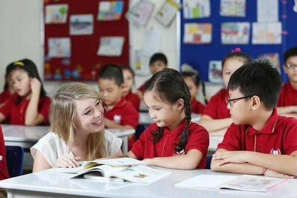 Người nước ngoài dạy ngoại ngữ phải có chứng chỉ phù hợp