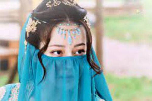 Trường Ca Hành: Trọn bộ cảnh Địch Lệ Nhiệt Ba hóa vũ nữ đẹp mê mẩn, netizen tung ảnh chỉnh sửa gây hết hồn