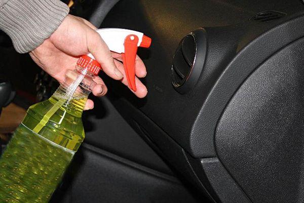 Nguyên nhân khiến ô tô có mùi khí thải khó chịu