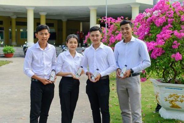 Dự án mật dừa nước đóng chai chinh phục 'Giải Nobel dành cho sinh viên'