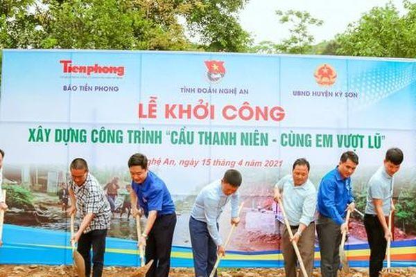 Khởi công cầu vượt lũ ở Nghệ An
