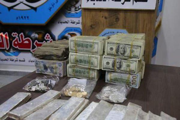 Iraq: Tìm thấy hàng triệu đô tiền mặt, vài chục kg vàng bạc trong 'phòng tài vụ' của IS