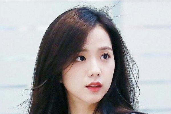 Cư dân mạng đồng loạt đề cử nên cho Jisoo (Blackpink) vào vai Bae Ro Na trong phim Penthouse