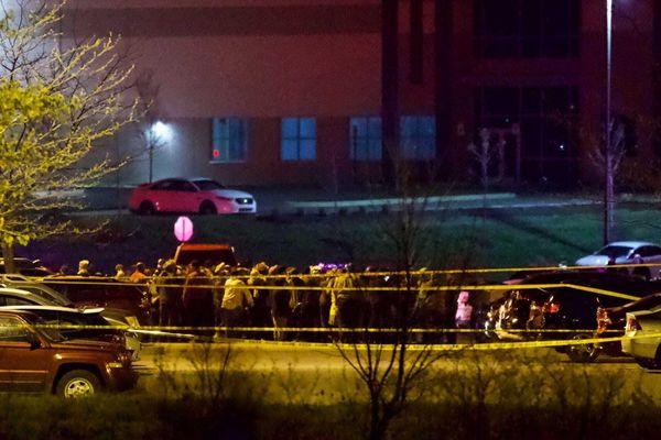 Mỹ: Xả súng ở cơ sở hơn 4.000 nhân viên, 8 người chết