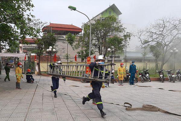Tuyên truyền an toàn phòng cháy cho người dân thông qua tình huống cháy giả định