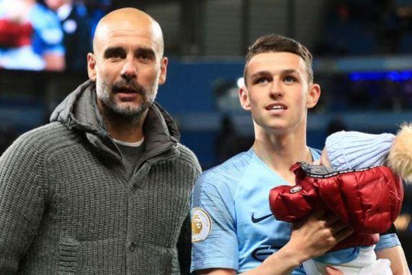 Sao Man City làm cha lần thứ 2 ở tuổi 20