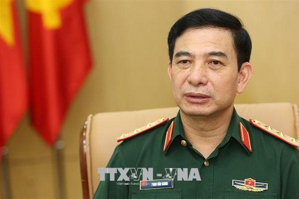 Bộ trưởng Bộ Quốc phòng tham gia lễ phát động trồng cây của Quân khu 2