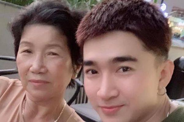 Mẹ ruột qua đời, ca sĩ Chi Dân xúc động: 'Hẹn kiếp sau mình lại làm mẹ con tiếp mẹ nhé!'