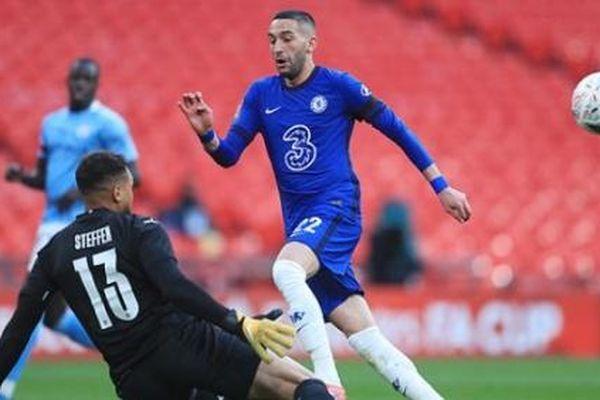 Thua tối thiểu Chelsea, Man City vỡ mộng ăn 4