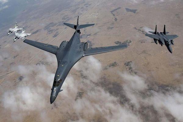 Không phải B-2, B-1B Lancer mới là đối trọng của Mỹ với Tu-160