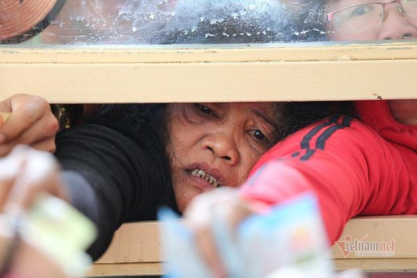 Vé xem Công Phượng đấu Quang Hải: Cháy và giá tăng không tưởng