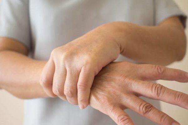 Thấy cơ thể có những thay đổi này cẩn thận mắc Parkinson mà không biết