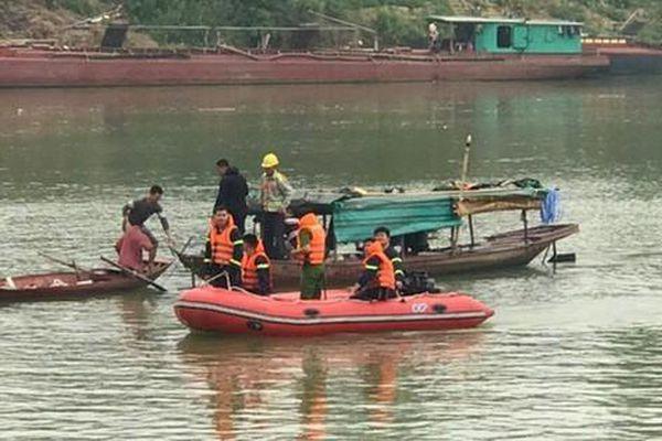 Nữ sinh lớp 10 gieo mình xuống sông Lam tự tử để lại dòng nhật ký đầy xót xa: Đã từng nghĩ tới cái chết suốt nhiều năm