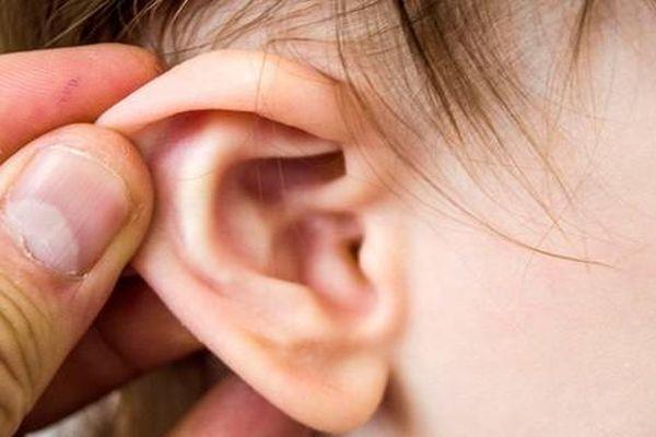 Cách lấy ráy tai cực kì nguy hiểm mà nhiều người vẫn hay làm