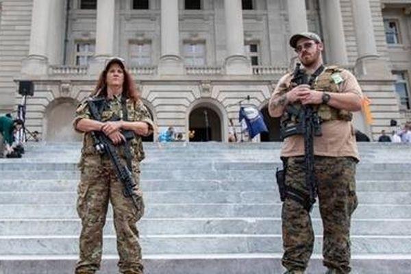 Những phong trào cực đoan đang làm náo loạn nước Mỹ