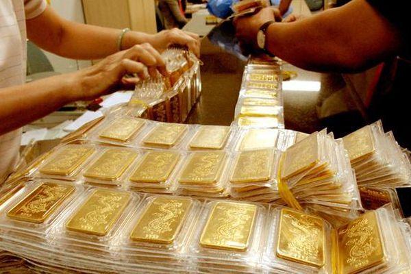 Giá vàng lên gần 56 triệu/lượng