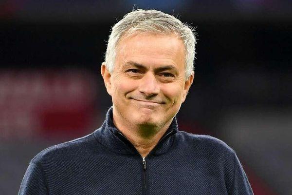 Mourinho và 17 tháng bất ổn trước khi bị sa thải