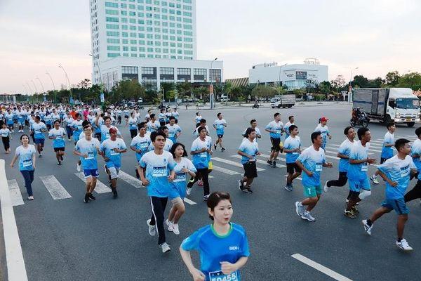 Giải chạy PetroVietnam - Cà Mau 2021 'Bước chạy tương lai - Vươn xa tầm vóc'