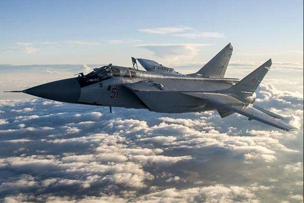 Máy bay MiG-31BM của Nga tập luyện tránh đòn tấn công của đối phương