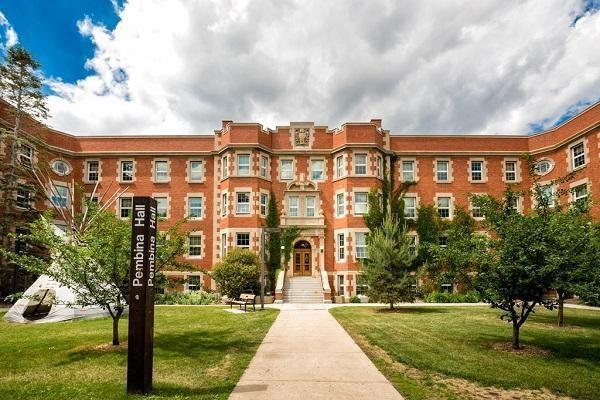 5 trường đại học ở Canada nổi tiếng đào tạo điều dưỡng có mức lương cao