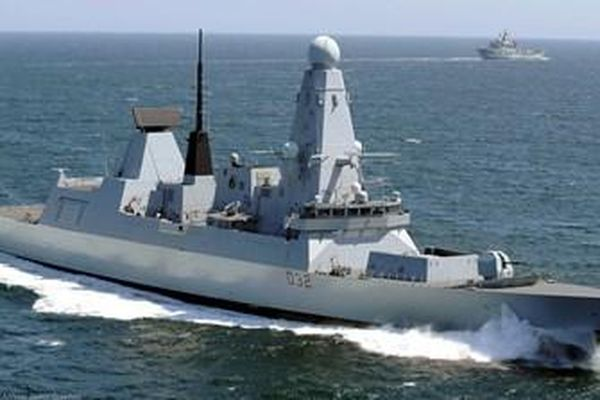 Anh đưa tàu chiến tới Biển Đen sau khi Mỹ 'rút lui'