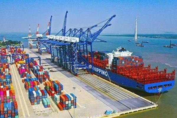 Hàng hóa qua cảng biển tăng mạnh 17%, Quảng Nam, Mỹ Tho đột biến
