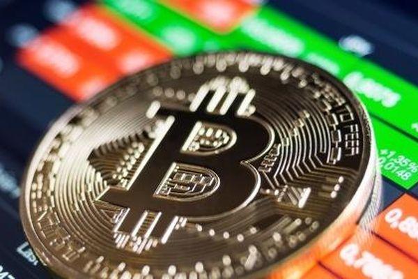 2 sự kiện khiến giá trị tiền ảo Bitcoin giảm cả chục tỷ USD