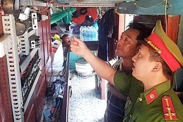 Cảnh báo gia tăng các vụ cháy tàu cá tại Quảng Ngãi