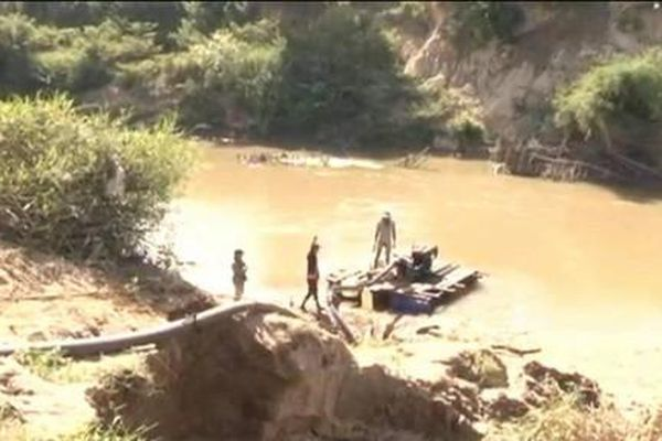 Phát hiện vụ khai thác cát trái phép trên sông Krông Pắk
