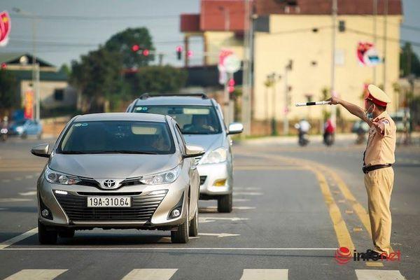 CSGT Phú Thọ căng mình bảo đảm trật tự an toàn giao thông dịp Giỗ Tổ Hùng Vương 2021