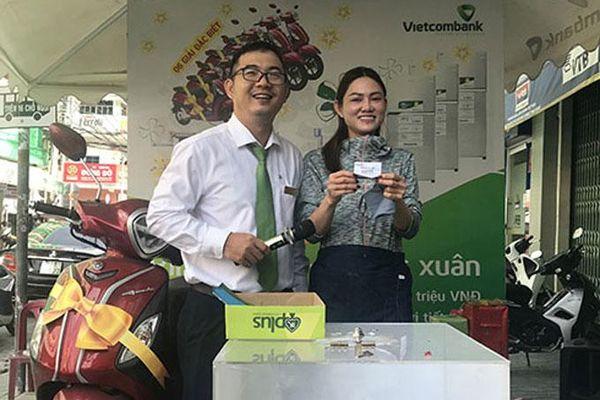 Vietcombank Nha Trang: Xác định khách hàng trúng thưởng 'Vạn Quà Tết - Kết Lộc Xuân' đợt 5