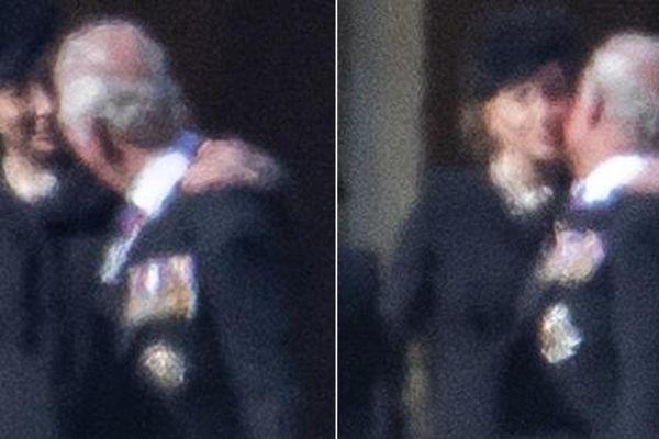Công Kate an ủi bố chồng trong đám tang Hoàng thân Philip