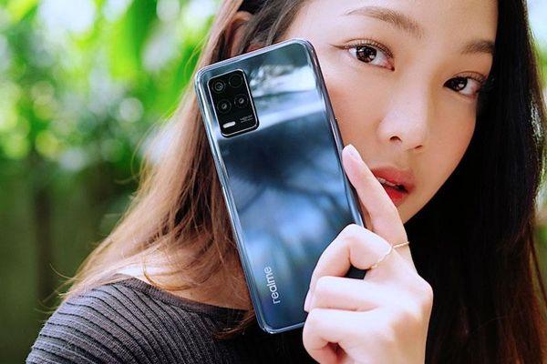 Realme 8 5G ra mắt với RAM 8 GB, pin 5.000 mAh, màn hình 90 Hz, giá hơn 7 triệu đồng