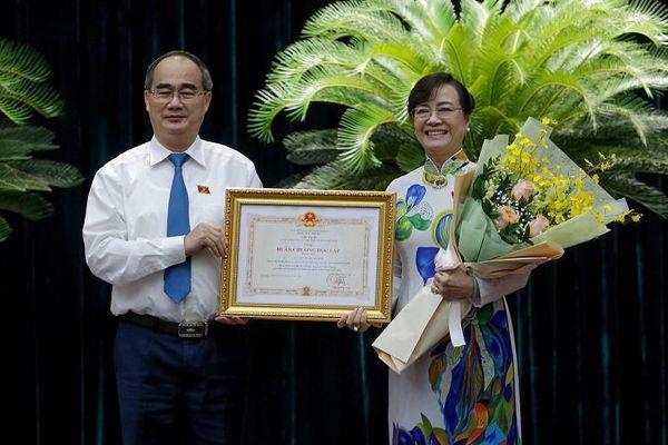 Bà Quyết Tâm được tặng Huân chương Độc lập hạng Ba