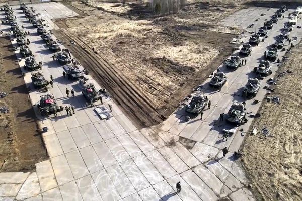 Nga ra lệnh rút quân gần biên giới Ukraine