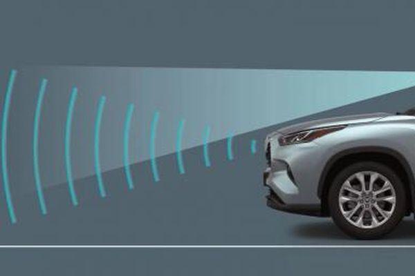 Báo giá thay logo hơn 8 triệu đồng, Toyota phản hồi gì?
