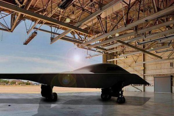 Trung Quốc lộ UAV Phi Long-2: Ngoại hình giống B-2 Mỹ và S-70 Nga