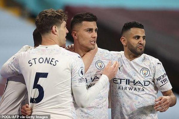 Ngược dòng thành công, Man City tiến một bước dài đến ngôi vô địch
