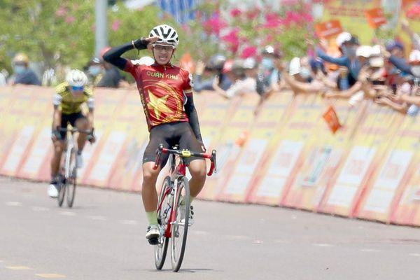 Chặng 15 giải xe đạp TH TPHCM 2021: Lật đổ bất thành