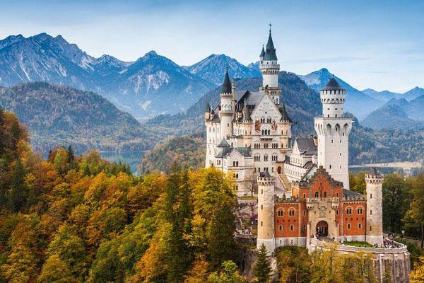 Top 10 tòa nhà đẹp nhất theo tỷ lệ vàng