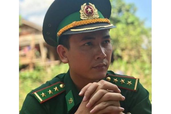 Đam mê nghề của nam nghệ sĩ kịch nói quân đội 9X