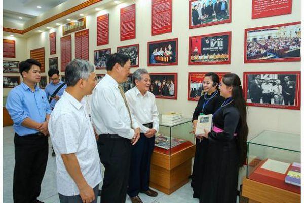 Đoàn đại biểu Hội Nhà báo Việt Nam và hành trình về nguồn