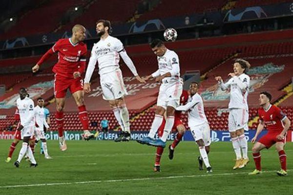 Bóng đá châu Âu 'hỗn loạn' vì Super League