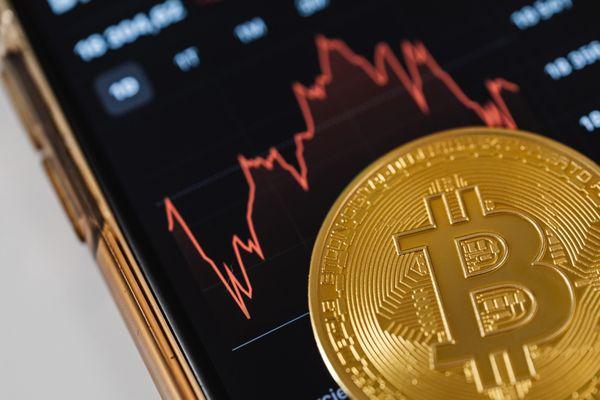 Giá Bitcoin hôm nay ngày 22/4: Tiếp đà suy giảm, giá Bitcoin tụt xuống mức 53.000 USD
