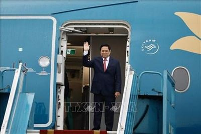 Thủ tướng Phạm Minh Chính bắt đầu chuyến công du đầu tiên