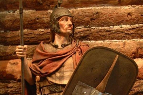 Vì sao chiến binh thời Đồ sắt bẻ cong vũ khí của kẻ thù?