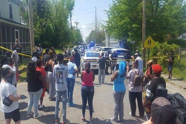 Danh tính người da màu mới nhất bị cảnh sát Mỹ bắn chết