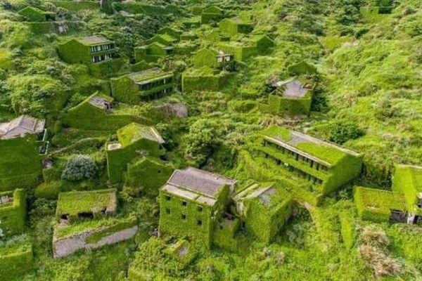 Ngôi làng bỏ hoang gây ấn tượng ở Trung Quốc